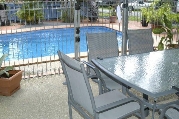 bbq-area-pool